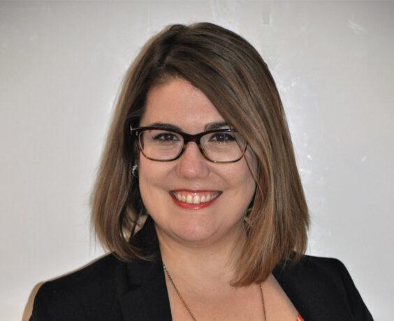 Headshot of Laura Bloom