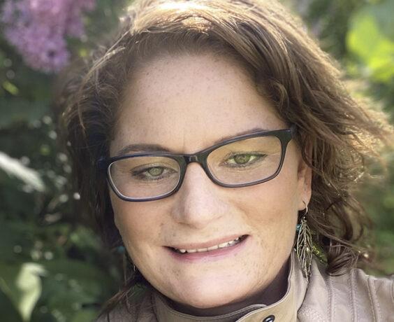 Headshot of Tracy King
